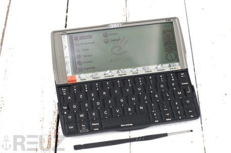 Psion series 5mx PDA clavier azerty état neuf complet inbox