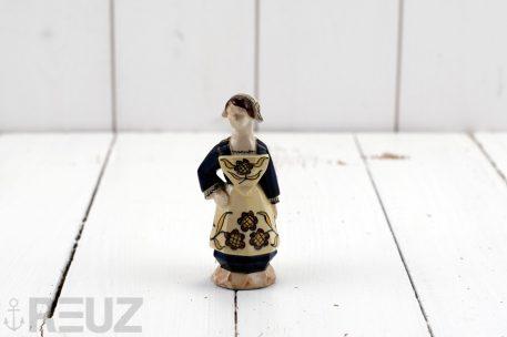 Perrotte faïence polychrome femme costume traditionnel de Pontivy