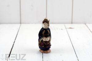 Perrotte faïence polychrome femme costume du pays de Saint Brieuc