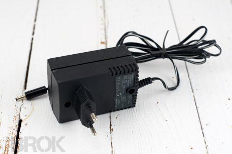 Adaptateur secteur pour ordinateur de poche Psion series 3 prise française